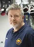 STOCKHOLM 20151209 Johan Kellerstam, materialfˆrvaltare pDjurgÂrden Hockey. Foto: Vilhelm Stokstad / TT / Kod 11370