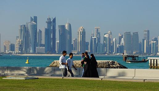 Huvdstaden Dohas skyline. Staden är byggd av utländska arbetare, Qatars 200 000 medborgare jobbar inte. Foto: Erik Larsson