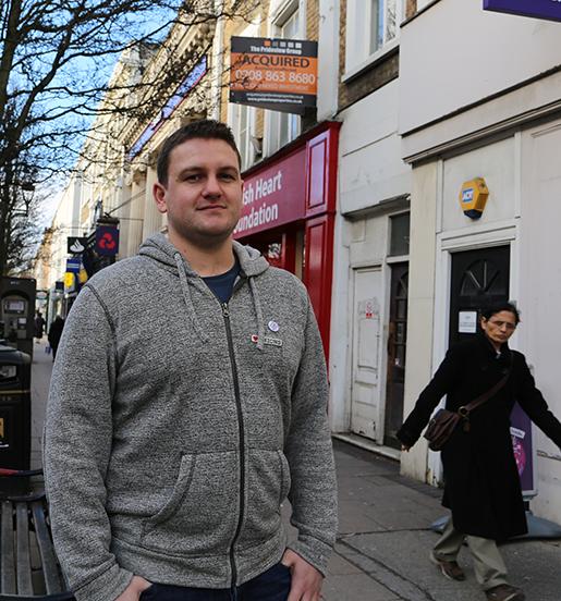 Kieron Merrett är facklig organisatör och bor i Londonförorten Surbiton.