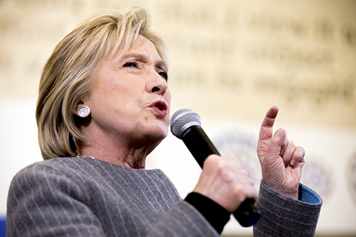 Hillary Clinton är favorit i Demokraternas primärval i Iowa. Foto: AP Photo/Andrew Harnik