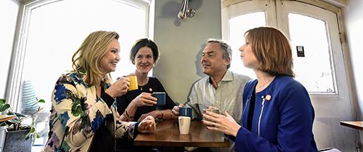 STOCKHOLM 2015-04-27 Alliansens partiledare Jan Bjˆrklund (FP), Annie Lˆˆf (C), Anna Kinberg Batra (M) och nyvalda Ebba Busch Thor (KD), psin fˆrsta gemensamma presstr‰ff efter att den nya (KD)-ledaren valdes i lˆrdags. Foto: Anders Wiklund / TT / kod 10040