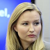 STOCKHOLM 20160208 Kristdemokraternas partiledare Ebba Busch Thor presenterar ett nytt jobbfˆrslag under en pressdtr‰ff i Riksdagens presscenter. Foto: Jessica Gow / TT kod 10070