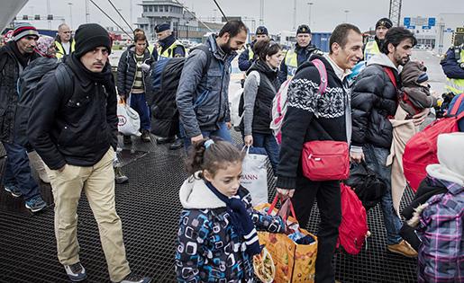 TRELLEBORG 20151110 Flyktingar anl‰nder till Trelleborg med TT-Line f‰rjan frÂn Rostock. Foto: Marcus Ericsson / TT / Kod 11470