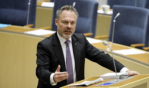 STOCKHOLM 20160113 Liberalernas partiledare Jan Bjˆrklund (L) under partiledardebatten i riksdagen. Foto: Jessica Gow/TT kod 10070