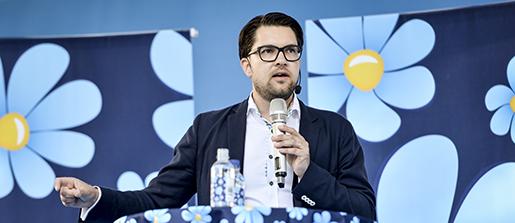 VISBY 20150701 Sverigedemokraternas partiledare Jimmie ≈kesson hÂller tal i Almedalen under politikerveckan i Visby ponsdagen. Foto: Henrik Montgomery / TT / kod 10060