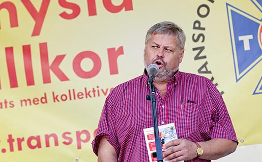 G÷TEBORG 2014-09-06 Transports Fˆrbundsordfˆrande Lars Lindgren talar under den Ârliga demonstrationen fˆr schyssta villkor i Âkeribranschen, pGˆtaplatsen i Gˆteborg. Foto: Adam Ihse / TT / Kod 9200