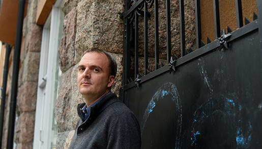 2012 intervjuade Andy Hall arbetare vid företaget Natural Fruit och avslöjade usla arbetsförhållanden. Nu står han åtalad för att ha förtalat bolaget och kan få sju års fängelse. Foto: Henrik Montgomery