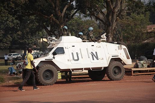 Ett FN-fordon i Bangui i Centralafrikanska republiken. Foto: AP Photo/ Lekan Oyekanmi