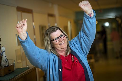 – Helt plötsligt hade jag en ekonomi, kunde börja tänka på pension, berättar Marika Samuelsson om övergången till heltid. Foto: Trons/TT