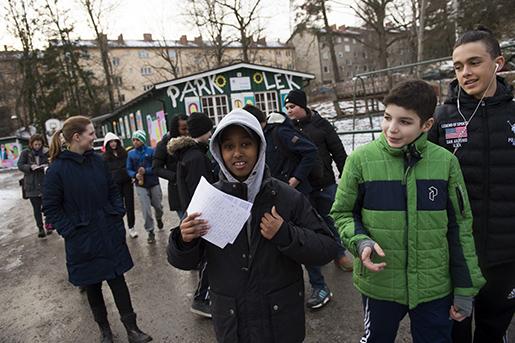 Zaki Abdulahi är en av författarna till brevet som barnen ska överlämna till dem som bestämmer.Foto: Henrik Montgomery
