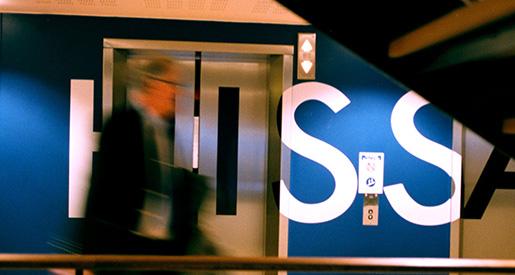 ©SCANPIX SWEDEN, 2001-08-10. Norra ‰lvstranden, Gˆteborg. Hotel 11, Norra ‰lvstranden byggs ut med bost‰der och fˆretag. Blir omrÂdet Gˆteborgs gr‰ddhylla? Hissdˆrrar, inredning, formgivning, stress. Foto: Agnes Wikmark/SCANPIX Code: 30362
