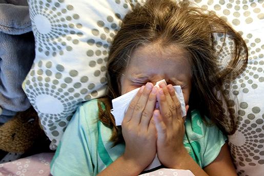 TRONDHEIM 20090805: Illustrasjonfoto av forkj¯lelse-influensa. MODELLKLARERT Foto: Gorm Kallestad / SCANPIX NORGE / SCANPIX / kod 20520