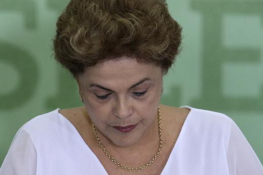 Presidenten Dilma Rousseff står tillsammans med förre presidenten Lula da Silva i centrum för anklagelserna om korruption. Foto: Eraldo Peres