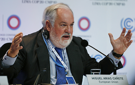 EU:s klimatkommissionär Miguel Arias Canete. Foto: AP Photo/Juan Karita