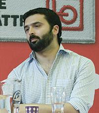 Ali Esbati (V).