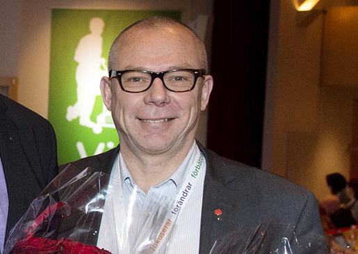 STOCKHOLM 20141121 Magnus Pettersson (mitten) valdes till fˆrsta fˆrbundsordfˆrande, Yvonne NygÂrds valdes till andra fˆrbundsordfˆrande och Jari Visshed valdes till tredje fˆrbundsordfˆrande pFastighets kongress Foto: Jessica Gow / TT / Kod 10070