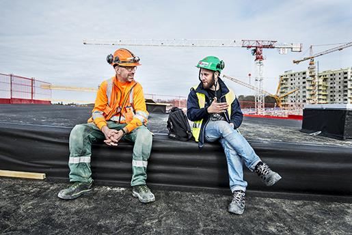÷REBRO 2016-04-13 PÂ bild Stefan Andersson Lagbas och P‰r Lanninge Ombudsman. Om ackordsystemet inom bygg. Hur fungerar det? Fˆr- och nackdelar. Foto: Per Knutsson / TT / Kod 11380