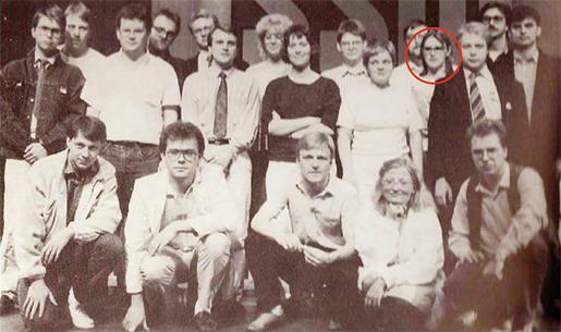Bland självförvaltare och statssocialister. I SSU:s förbundsstyrelse 1987-1990 – med namn som Anna Lindh, längst fram, och Pär Nuder i den bakre raden – var den ideologiska spridningen stor. Kerstin Alnebratt, inringad, tillhörde den första kategorin.