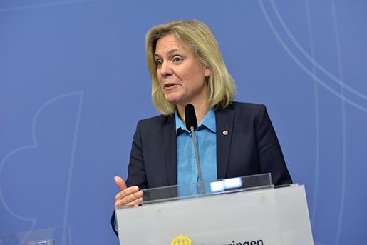 STOCKHOLM 20160404 Finansminister Magdalena Andersson (S) under mÂndagens presstr‰ff om regeringens kommande investeringar. Foto: Jonas Ekstrˆmer / TT / kod 10030