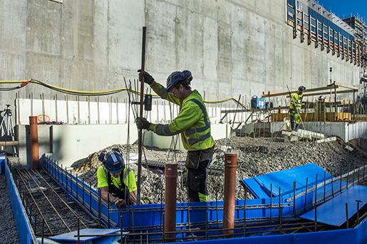 STOCKHOLM 2015-09-29 Skanska bygger l‰genheter vid Hammarby kaj. Form byggs fˆr gjutning. Foto: Lars Pehrson / SvD / TT / Kod: 30152 ** OUT DN och Dagens Industri (‰ven arkiv) och Metro**