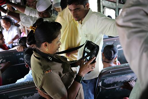 Aruna Patil har varit busskonduktör sedan 2008.