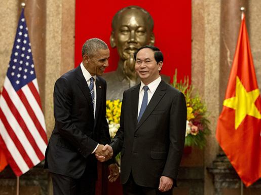 Barack Obama med Vietnams president Tran Dai Quang. Foto: AP /Carolyn Kaster