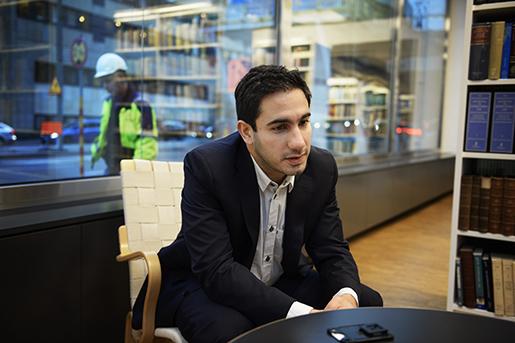 STOCKHOLM 20141114 Civilminister Ardalan Shekarabi (S) ‰r ansvarig fˆr den nya lagen om upphandling Foto: Fanni Olin Dahl / TT / kod: 11375