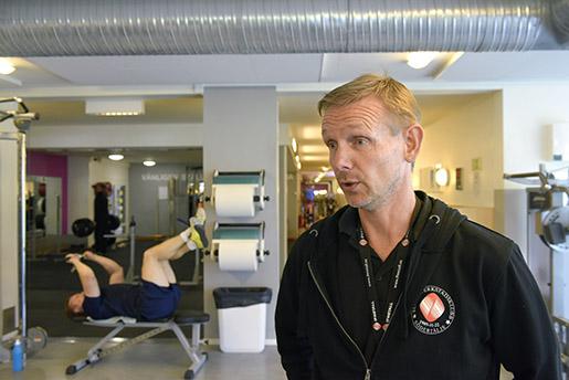 – Fortfarande finns det anställda som tror att företagshälsovården är företagslojal och att privata problem läcker till chefer, säger skyddsombudet Bo Luthin. Foto: Anders Wiklund/TT