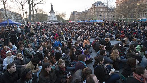 Place de la République, Paris. Varje kväll samlas tusentals för att protestera – mot arbetsmarknadslagarna eller mot något annat.Foto: Michel Euler/AP