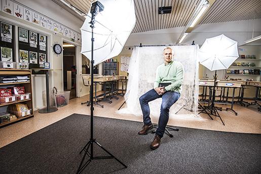 Porträtt på Jonas  lärare i Örebro samt Johanna Svärd, undersköterska hemtjänsten, Degerfors.Reportage om deltidsarbete och skillnader män, kvinnor. Bilder: Per Knutsson.