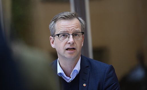 STOCKHOLM 2016-07-14 N‰rings- och innovationsminister Mikael Damberg (S) psommarfika med regeringen. Foto: Izabelle Nordfjell / kod 11460