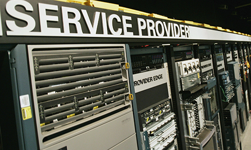 **ADVANCE FOR USE MONDAY, APRIL 6 AND THEREAFTER ** Cisco's data center is seen at Cisco headquarters in San Jose, Calif., Wednesday, March 11, 2009. Cisco Systems Inc., which became one of Silicon Valley's most prominent companies selling behind-the-scenes computing products, now is using its enormous pile of cash to go on the attack while other companies are just trying to survive. (AP Photo/Paul Sakuma)