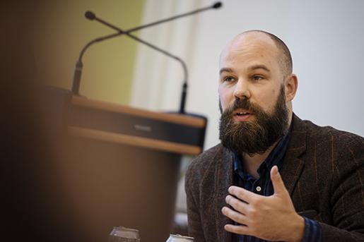 STOCKHOLM 20151202 Daniel Suhonen under ett seminarium om 7 timmars arbetsdag, arrangerat av tankesmedjan Katalys och Daniel Suhonen. Foto: Vilhelm Stokstad / TT / Kod 11370