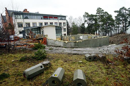 Det har gått tolv år sedan Byggnads blockerade skolbygget i Vaxholm. EU-domstolen slog fast att facket hade tagit till för kraftfulla konfliktåtgärder. När EU-kommissionen nu försöker förändra regelverket för att motverka lönedumpning stöter det på motstånd. Foto: Beril Ericson/TT