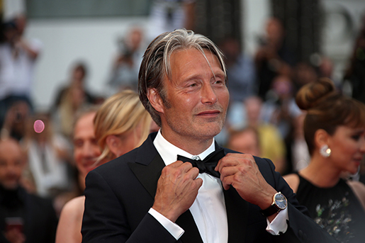 Jury member Mads Mikkelsen poses for photographers during the photo call following the awards ceremony at the 69th international film festival, Cannes, southern France, Sunday, May 22, 2016. (AP Photo/Joel Ryan)