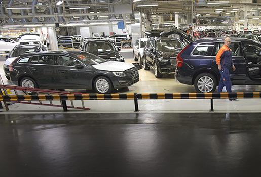 G÷TEBORG 20150504 Volvo Cars drar igÂng sitt tredje produktionsskift i Torslanda som gett 1300 nya jobb. Foto: Bjˆrn Larsson Rosvall / TT kod 9200