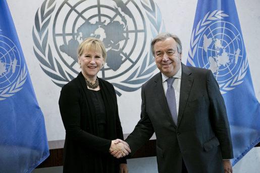 NEW YORK 2017-01-09 Utrikesminister Margot Wallstrˆm (S) och FNs generalsekreterare AntÛnio Guterres tr‰ffas fˆr samtal i FN:s hˆgkvarter i New York pmÂndagen. Foto Pontus Hˆˆk / TT kod 70250