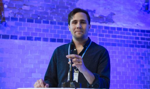 MALM÷ 2016-10-29 Den nyvalda MUF-ordfˆranden (Moderata Ungdomsfˆrbundet) Benjamin Dousa frÂn Stockholm pratar plˆrdagen under fˆrbundets st‰mma i Malmˆ Foto: Bjˆrn Lindgren / TT / Kod 9290