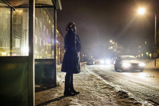 Anna vet att hon, som säsongsanställd, kan tvingas ut i arbetslöshet flera månader om året. Det tär på orken och humöret. Foto: Linus Sundahl-Djerf