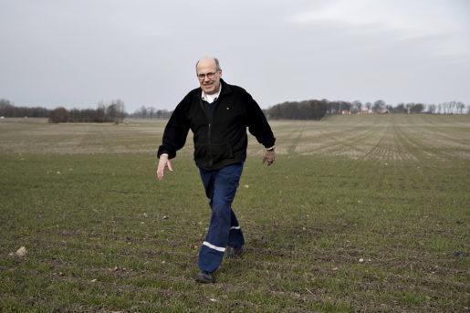 Nedläggningen av Findus är ingen katastrof för ärtodlaren Fredrik Krokstorp. Han odlar också raps, gräsfrö, sockerbetor och spannmål. Men han oroar sig över att Sverige tappar kompetens i livsmedelshantering.