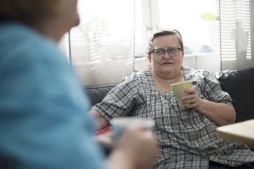 –Jag tror att det beror på att det blivit så stressigt. Vi är för få helt enkelt, säger Ingrid Gunnarsson på äldreboendet Nicklagården där flest anmälningar om hot och våld lämnats in till Arbetsmiljöverket.