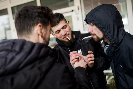 Ali Sido och Haytham Asaya, lovar att hand om Marwans post när han lämnat anläggningen. Foto: Alexander Mahmoud (klicka på bilden för att se den större)