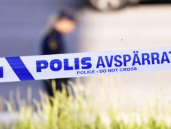 Polis vid avspärrning vid arbetsplatsolycka
